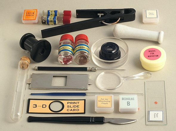 [ Some selected items from the microscope box ]